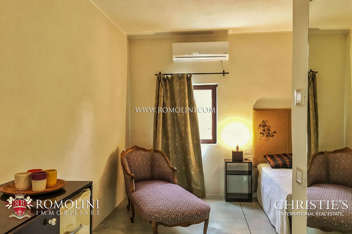 HOLIDAY HOUSE FOR SALE IN APULIA, ITALY