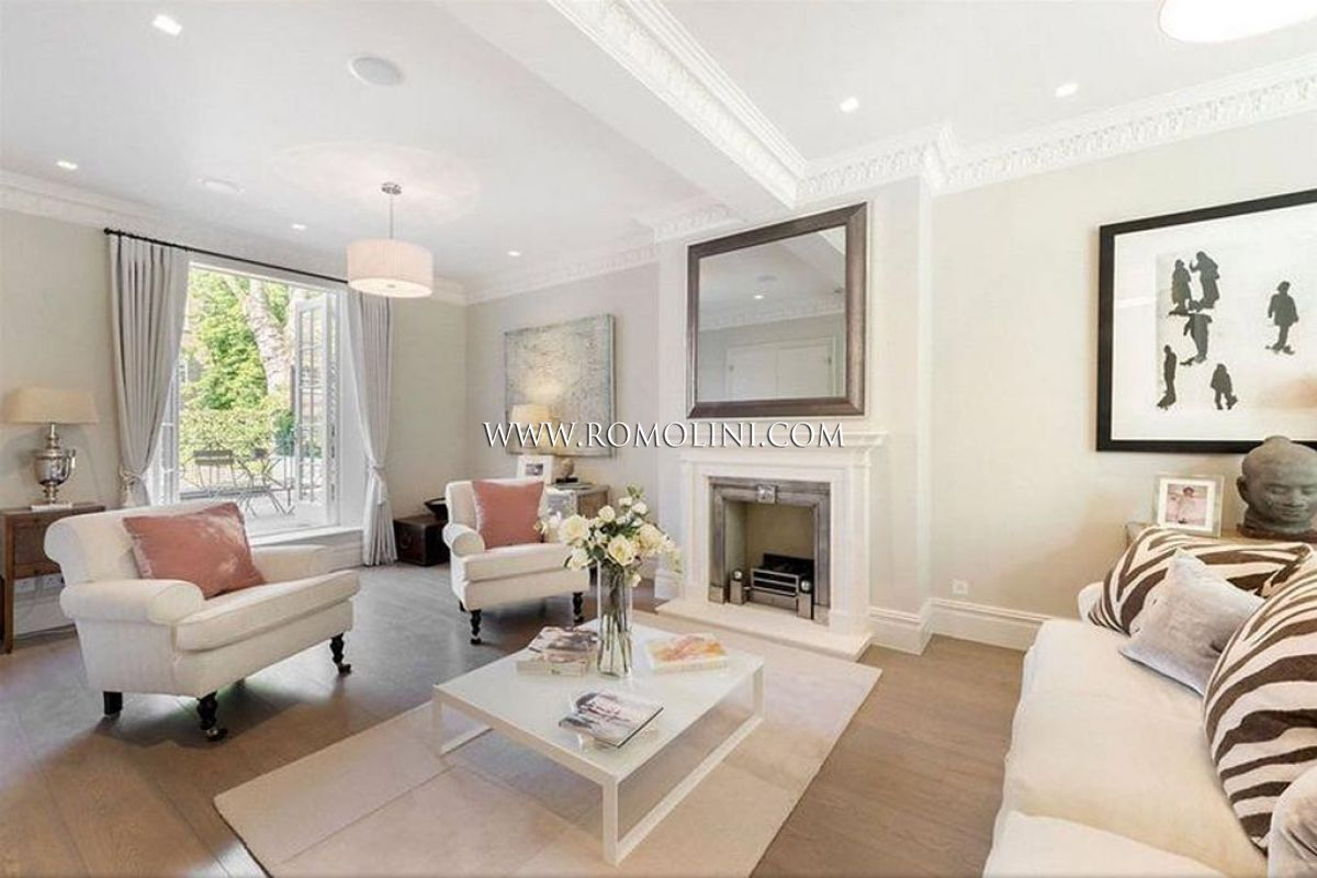 Chelsea luxury property for sale in netherton grove for Interni case lusso