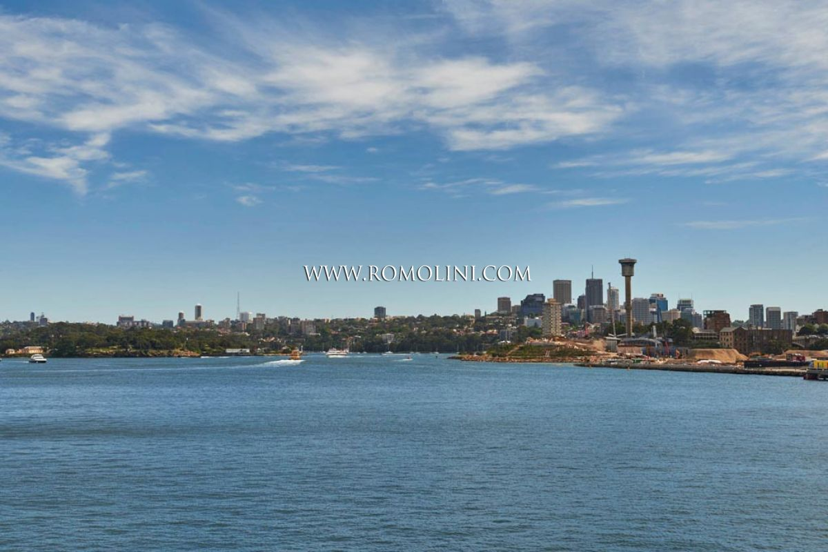 PIRRAMA ROAD APARTMENT: PRESTIGIOUS APARTMENT WITH BOAT BERTH FOR SALE IN SYDNEY
