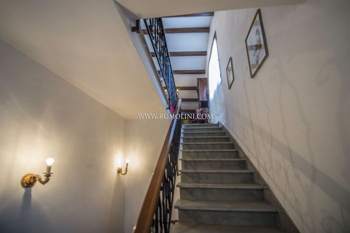 APARTMENT WITH PANORAMIC VIEW IN THE HISTORICAL CENTRE, MONTONE