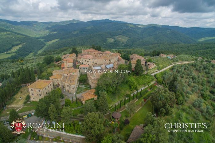 MEDIEVAL CASTLE FOR SALE IN TUSCANY