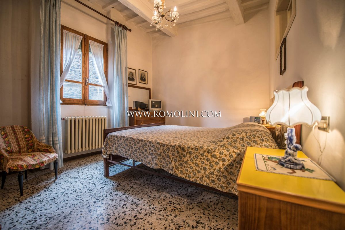 APARTMENT FOR SALE IN THE HISTORIC CENTRE OF ANGHIARI