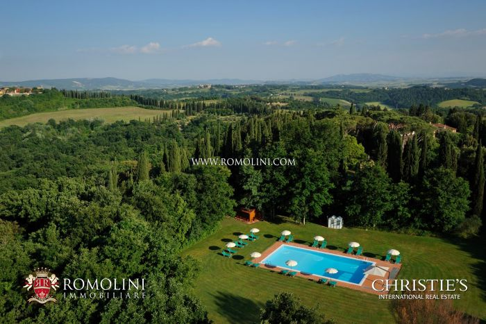 320-HA FLY-IN ESTATE FOR SALE IN TUSCANY