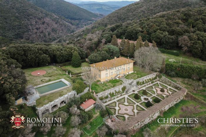 VILLA PAOLINA FOR SALE IN LUCCA, TUSCANY