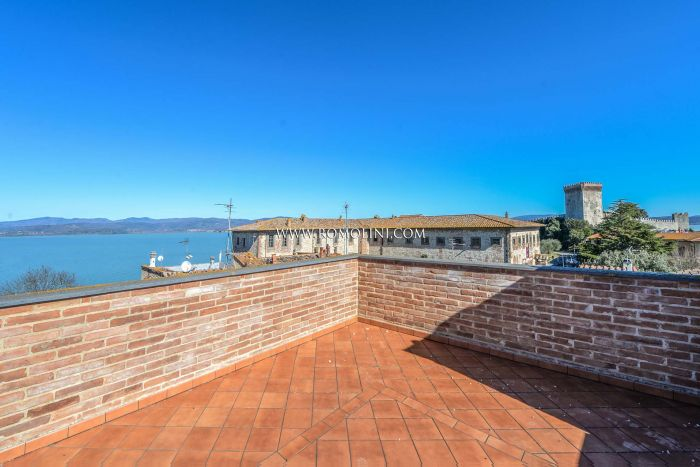 LAKE VIEW PROPERTY FOR SALE IN UMBRIA, LAKE TRASIMENO