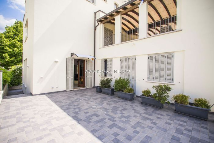 APARTMENT WITH TERRACE AND GARDEN FOR SALE IN SANSEPOLCRO