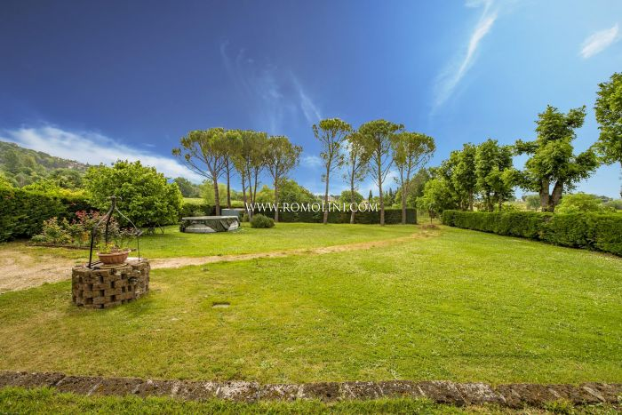 DETACHED HOUSE WITH GARDEN FOR SALE IN SAN GIUSTINO, UMBRIA