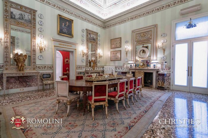LUXURY APARTMENT FOR SALE IN THE HISTORIC CENTER OF VICENZA