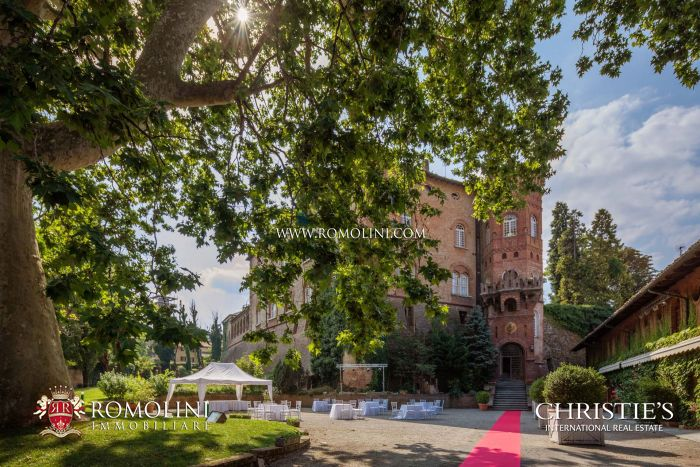CASTLE, HOTEL FOR SALE PIEDMONT MONTFERRAT