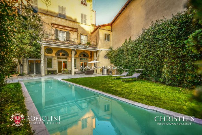 LUXURY RESTORED APARTMENT FOR SALE IN FLORENCE