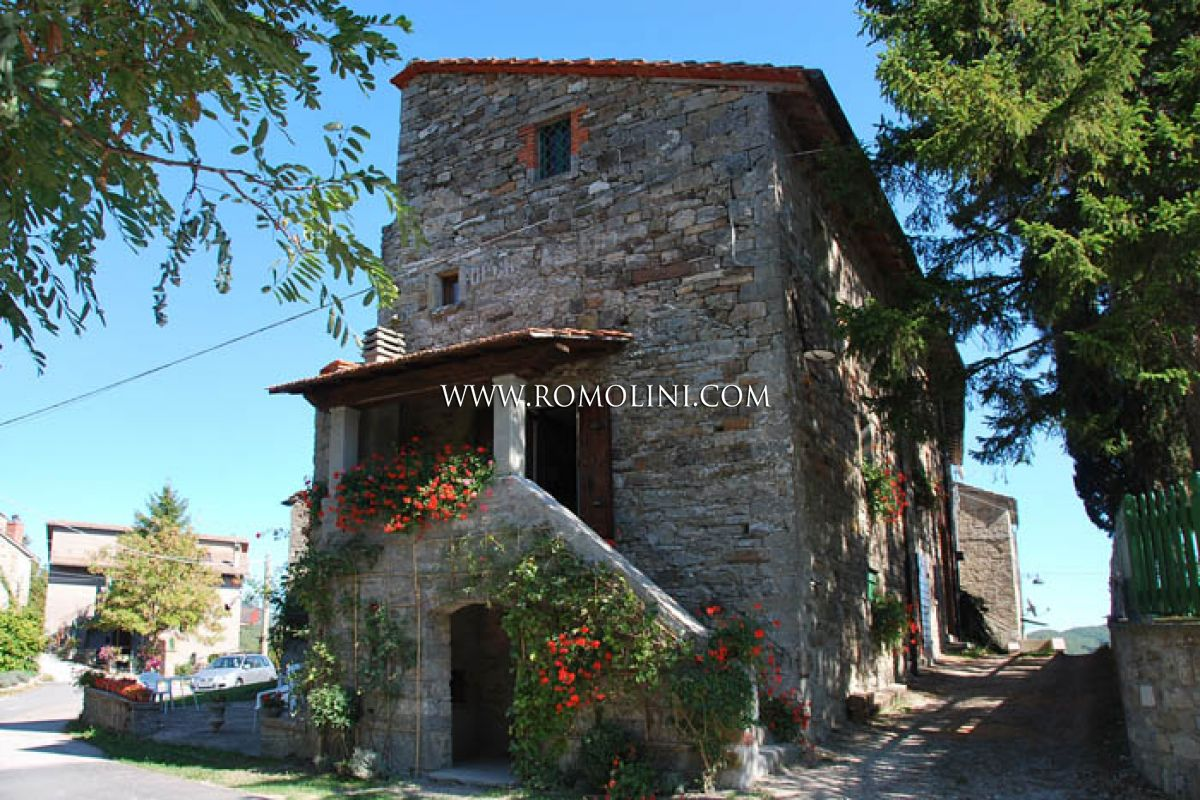 Section of farmhouse for sale Badia Tedalda Tuscany
