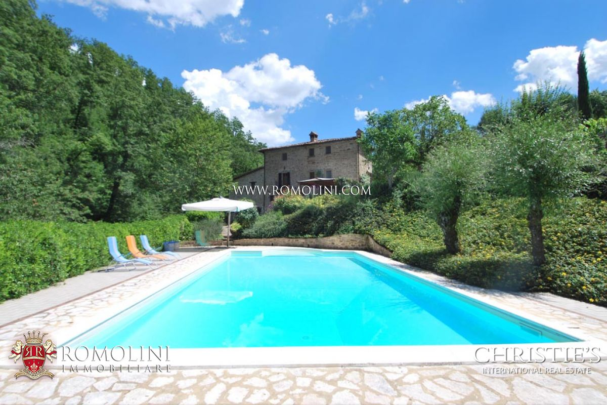 FARMHOUSE POOL GARDEN FOR SALE CITTA DI CASTELLO UMBRIA