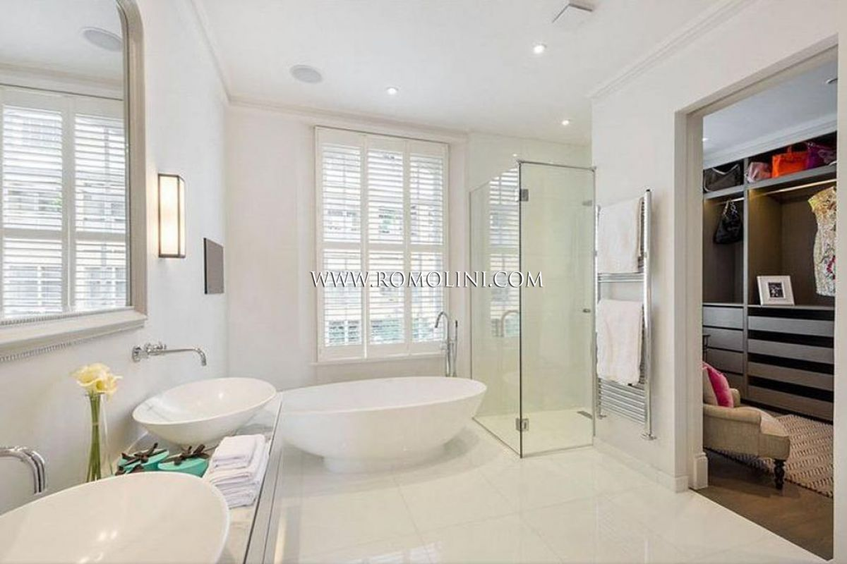 CHELSEA: LUXURY PROPERTY FOR SALE IN NETHERTON GROVE, CHELSEA, LONDON
