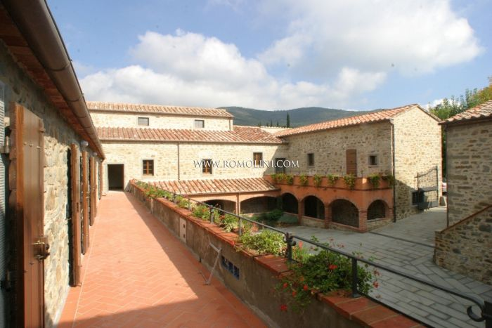 APARTMENT FOR SALE CORTONA, Real Estate Complex with Pool
